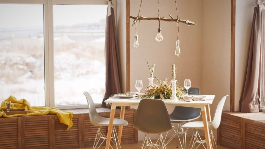 Is dining room lighting important